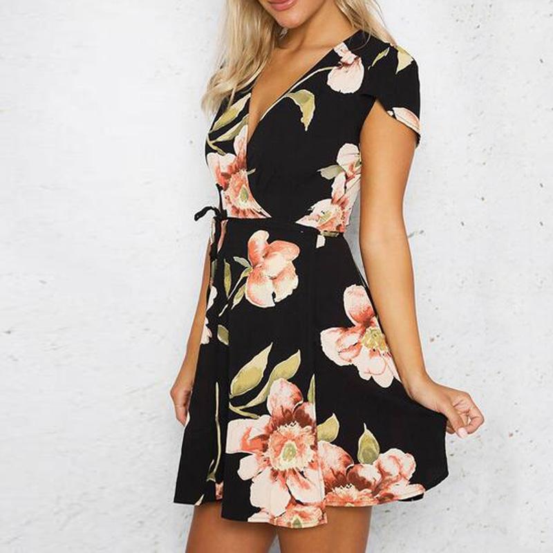 Vestido negro de flores